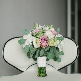 свадебные букеты невест - Лав Стори