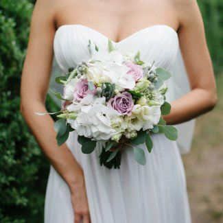 свадебный букет из белых роз - Лав Стори
