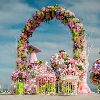 Цветочное оформление свадебной арки