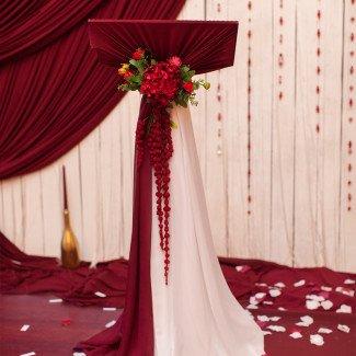 Оформление свадьбы в бордовых тонах Одесса